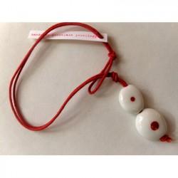 Armbånd STONE, hvid m. rød prik, Anne Black