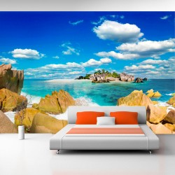 ARTGEIST - Fototapet af en øde sandstrand under sommerens sol - Flere størrelser 150x105