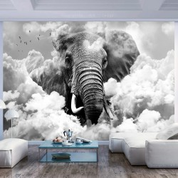 ARTGEIST Fototapet - Elephant in the Clouds (Black and White), elefant i skyerne (flere størrelser) 100x70