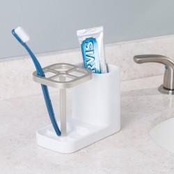 Holder til tandbørster og tandpasta