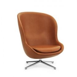 Normann Copenhagen - Hyg lænestol høj m. drejestel - Aluminium/ultra læder brandy