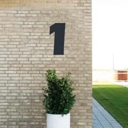Sort husnummer 1 - 40 cm