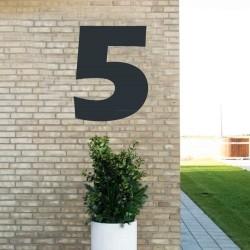 Sort husnummer 5 - 80 cm