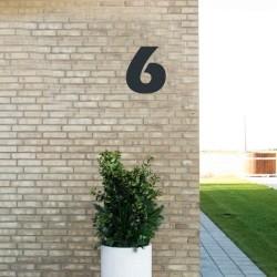Sort husnummer 6 - 20 cm