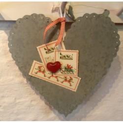 Stort Zink hjerte med fin hulkant, 34 cm