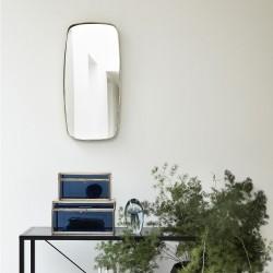 Vægspejl med messing kant - Hübsch
