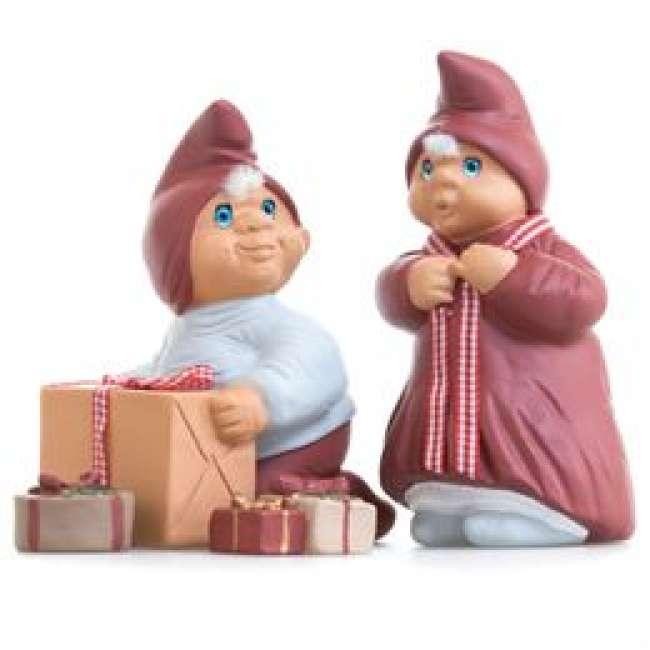 Priser på Klarborg nissefigurer - Klarborgnisser - Josefine og Oliver med gaver